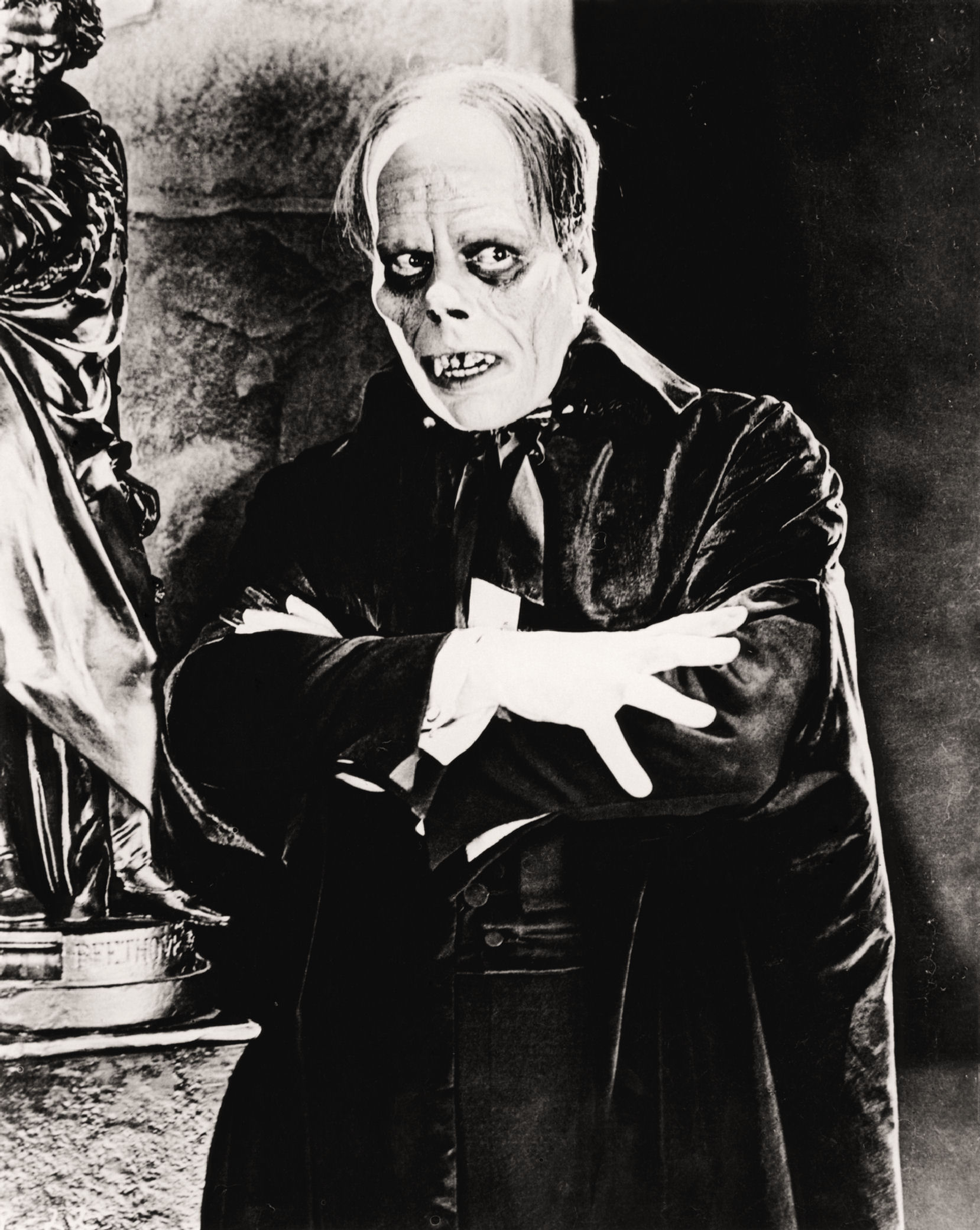 the similarities of frankenstein by mary shelley and the phantom of the opera by gaston leroux